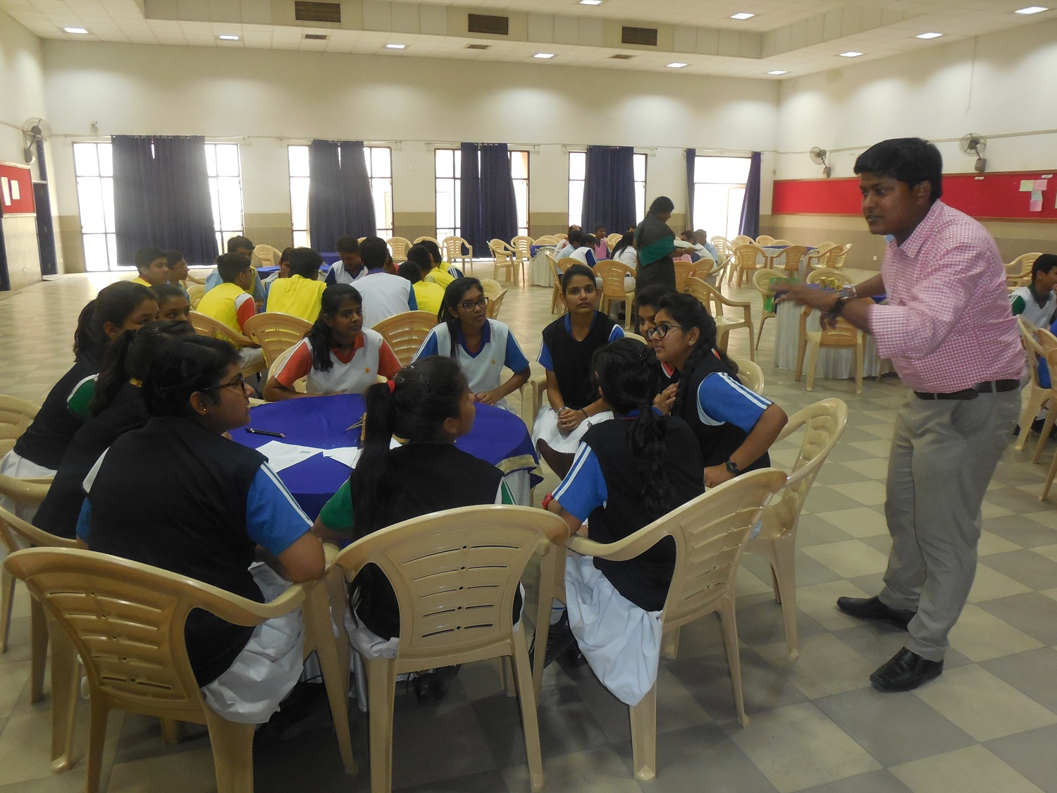Students attend 'Playnomics' workshop by IBSF (University of London) officials