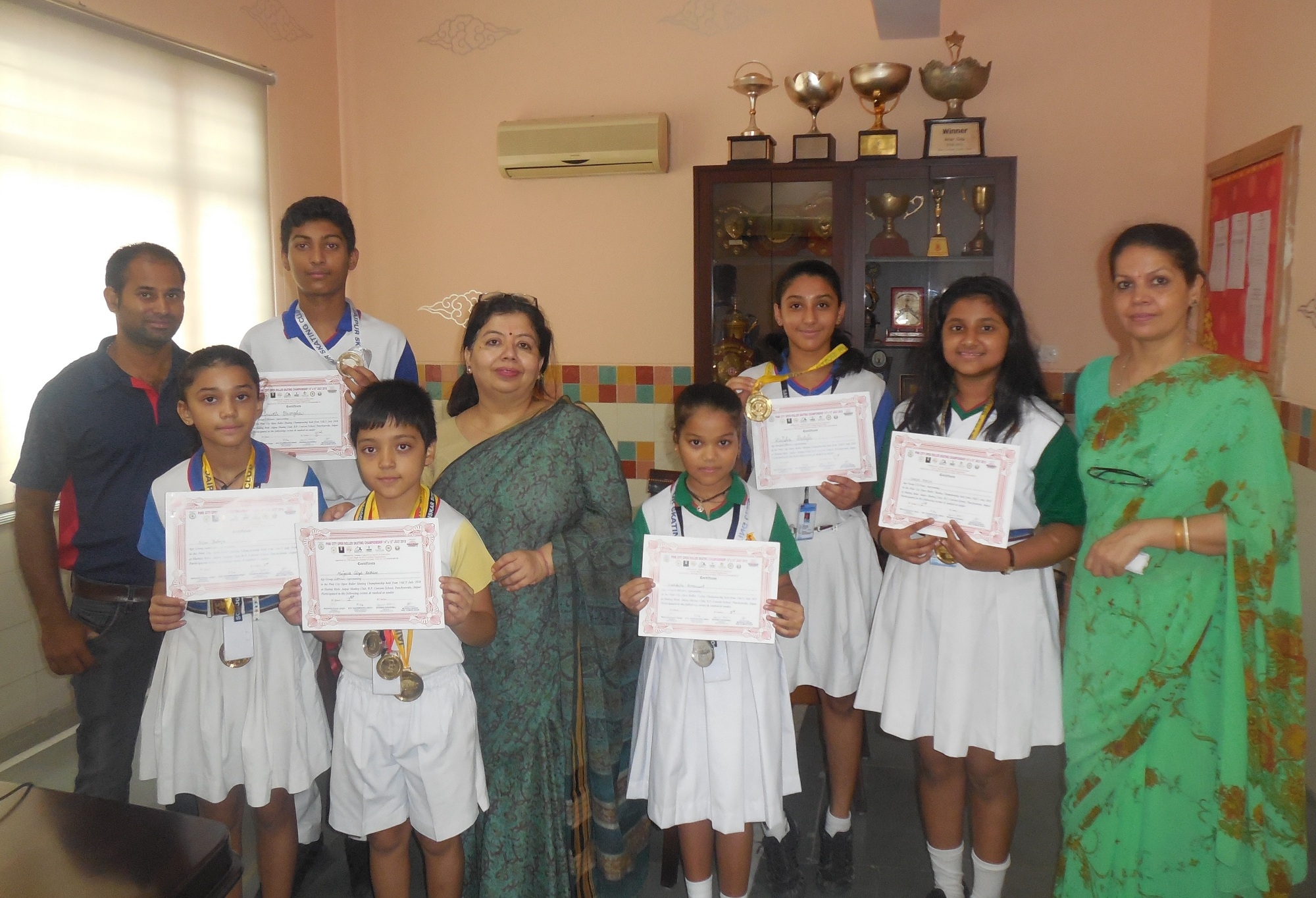 Sanskar students garner medals at Pink City Open Roller Skating Championship-2018