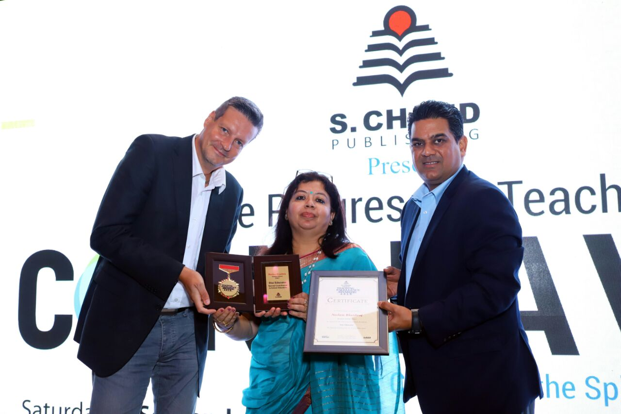 Sanskar School Principal receives Teaching Excellence Award 2018